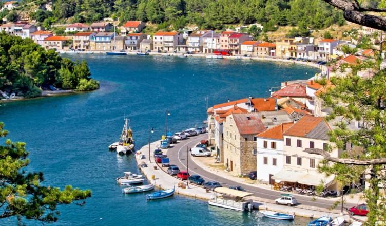 novigrad-a-hidden-gem-of-the-novigrad-sea-dalmatian-fisherman-village-of-novigrad-aerial-view-croatia-796-